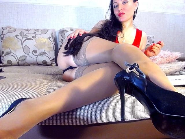 Fem-fem feet domination
